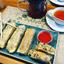 Горячие спринг-роллы с рисом, грибами и тайским соусом