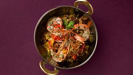 Индийский плов Касария с креветками и манго