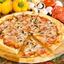 Пицца с ветчиной и грибами на тонком тесте