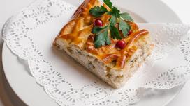 Пирог с птицей, грибами и сметаной (предварительный заказ за сутки)