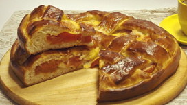 Пирог с помидором и сыром