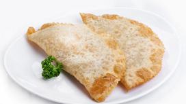 Чебурек с сыром Брынза и зеленью