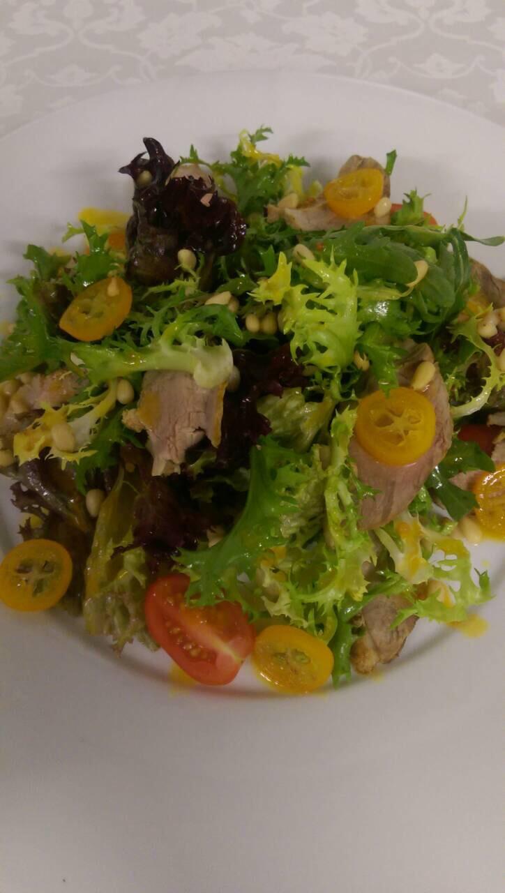Салат с утиной грудкой, манго и сырными шариками рекомендации