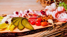 Закуска Тарелка для хреновухи (на троих)