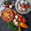 Пирог с курицей, грибами, сыром и зеленью на дрожжевом тесте