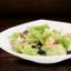 Лёгкий салат с креветками и грейпфрутом