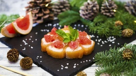 Ролл с лососем и грейпфрутом