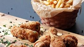 Сет с классическими крылышками и картофелем фри