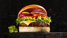 Чизбургер Friday's