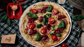 Пицца фирменная Pesto